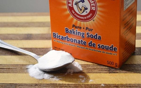 Đánh răng bằng muối và baking soda rất tốt
