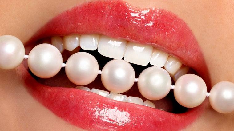 Bọc răng sứ thẩm mỹ – 1 Biện pháp khắc phục răng cửa thưa