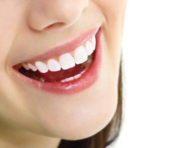 Nụ cười tươi khỏe của khách hàng là minh chứng cho chất lượng của nha khoa