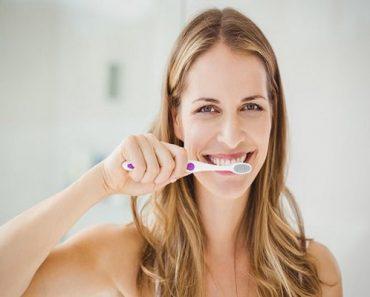 Không nên Đánh răng ngay sau khi uống cà phê