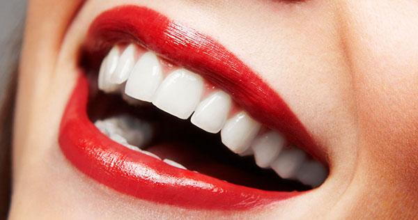 Răng toàn sứ mang đến vẻ đẹp tự nhiên và tuổi thọ lâu dài
