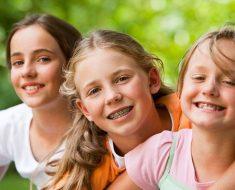 Nên niềng răng sớm cho trẻ