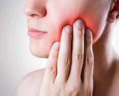 Sau khi cấy ghép Implant việc bị sưng và đau nhức không thể tránh khỏi được