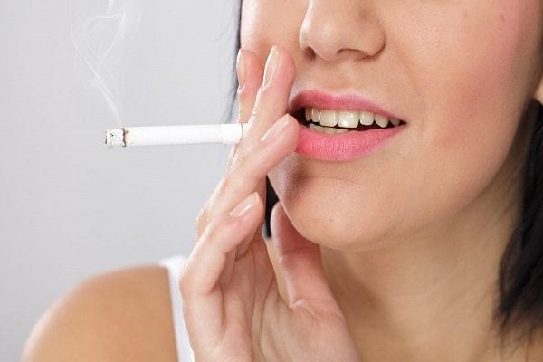 Nên tránh hút thuốc lá