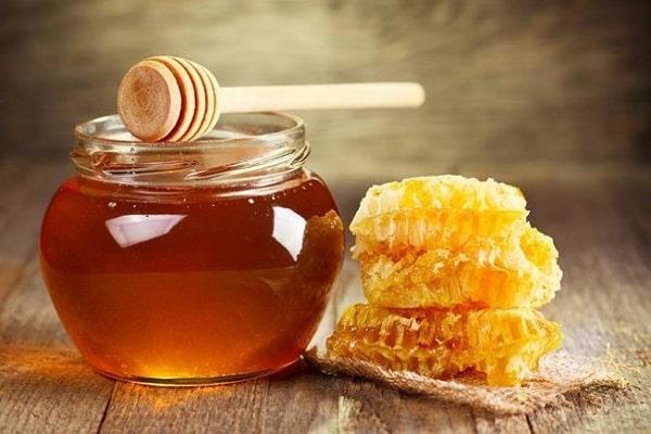 Cách chữa hôi miệng bằng nước vo gạo và mật ong cũng rất đơn giản