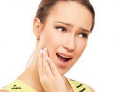 Kỹ thuật cạo vôi răng không tốt có thể làm ê buốt sau khi cạo vôi răng