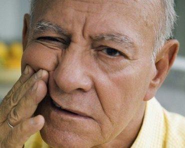 Có nhiều nguyên nhân gây nên tình trạng lão hóa răng ở người già