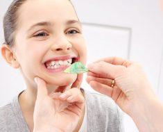 Phương pháp niềng răng tháo lắp thuận tiện cho việc ăn uống và vệ sinh răng miệng